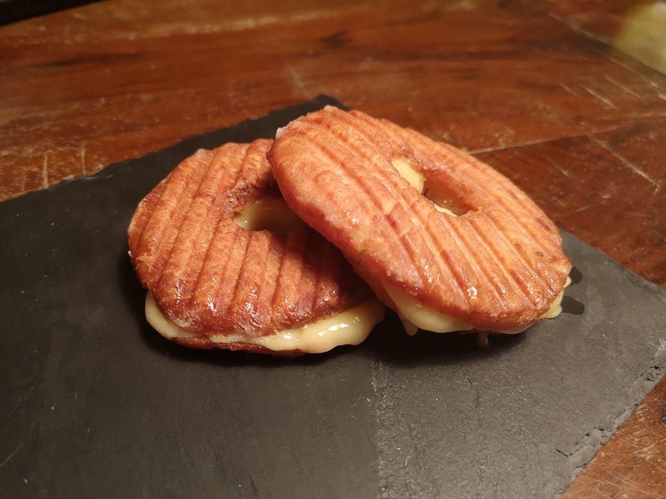 Grille donuts, Grilled Cheese Donut – En grillet snack fra Cincinnati